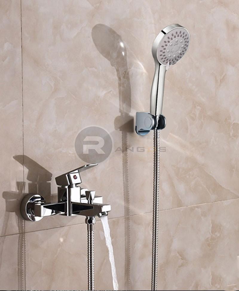 vòi hoa sen tắm tại thiết bị vệ sinh rangos